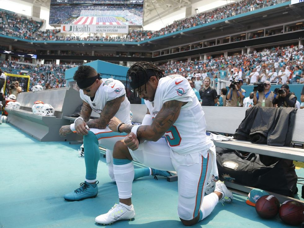 Dolphins' Kenny Stills, Albert Wilson Kneel During Anthem
